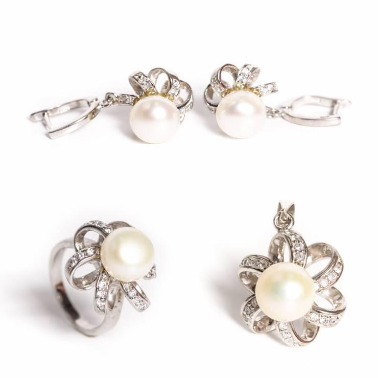 set Floare perla cu zirconiu pandantiv 346 lei